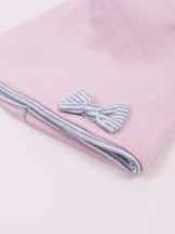 Czapka przejściowa bawełniana dziewczęca pudrowo różowa z kokardką w prążki