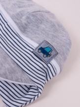 Czapka przejściowa bawełniana chłopięca wiązana z daszkiem szara autko