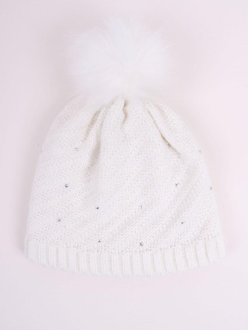 Czapka zimowa biała w ozdobne gwiazdki