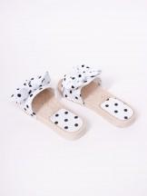 Klapki damskie gumowe z materiałową kokardką w kropeczki białe