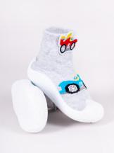 Skarpety z gumową podeszwą do nauki chodzenia z elementem 3D wyścigówka szara chłopięce