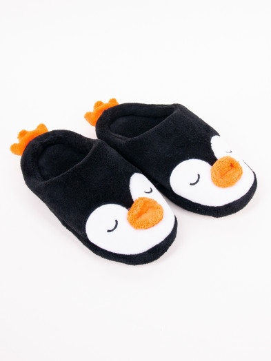 Kapcie dziecięce czarne z zapiętkiem pingwinek